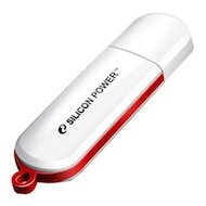 Флеш-диск Silicon Power 16Gb LuxMini 320 SP016GBUF2320V1W USB2.0 белый
