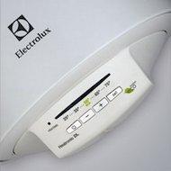 Фото Водонагреватель ELECTROLUX EWH 30 Heatronic DL Slim