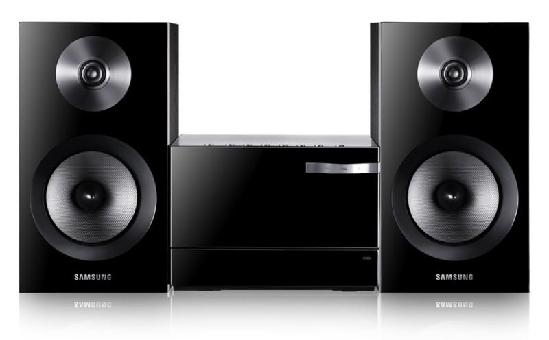 Музыкальный центр Samsung Real Brand Technics 4890.000